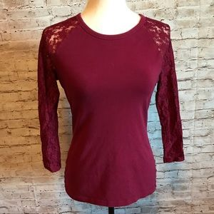 Express top with lace sleeves